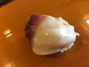 Sakhalin surf clam (Hokkigai)